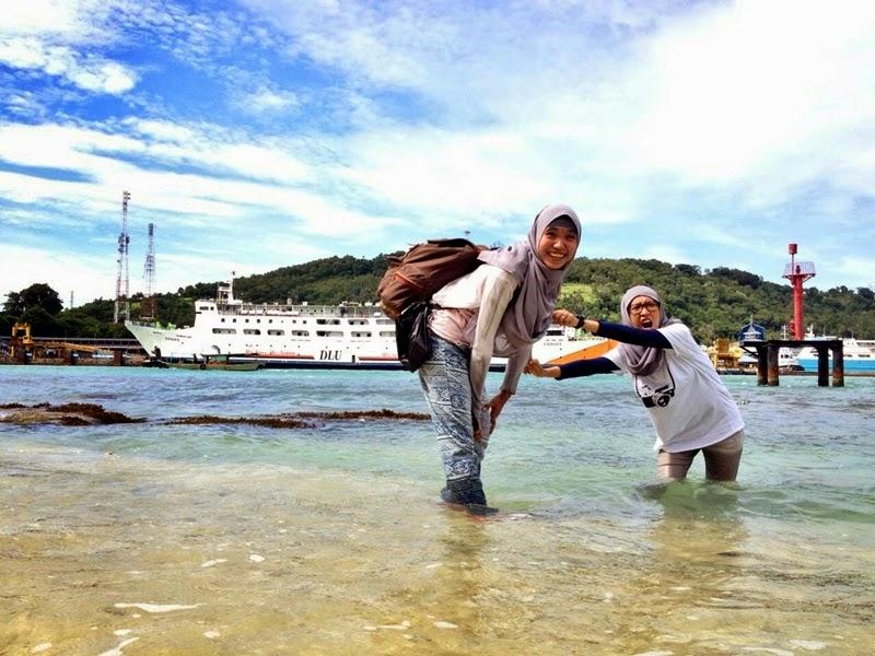 Bermain Air di Pulau Merak Besar