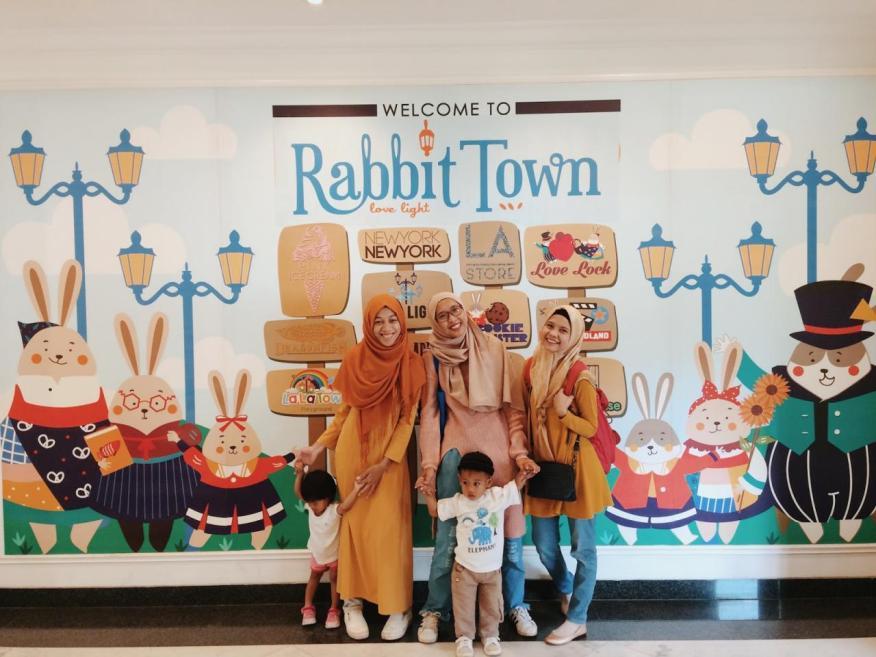 Ada Apa Dengan Rabbit Town Bandung??