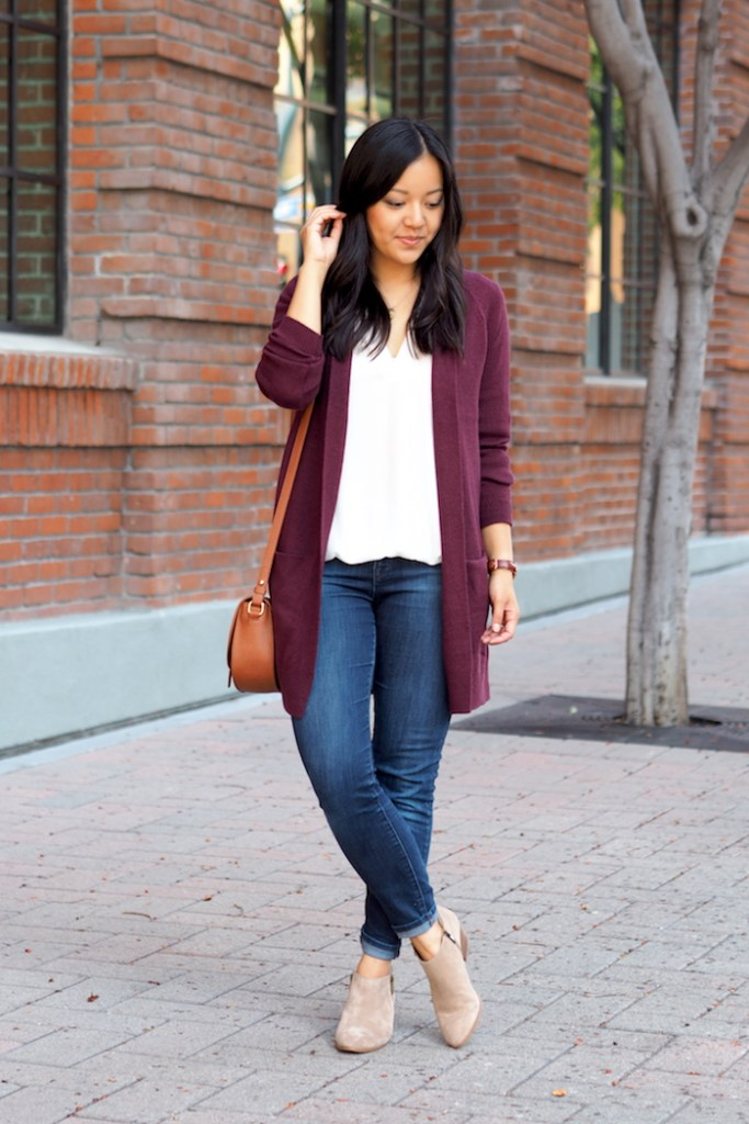 fall outfit with maroon cardigan