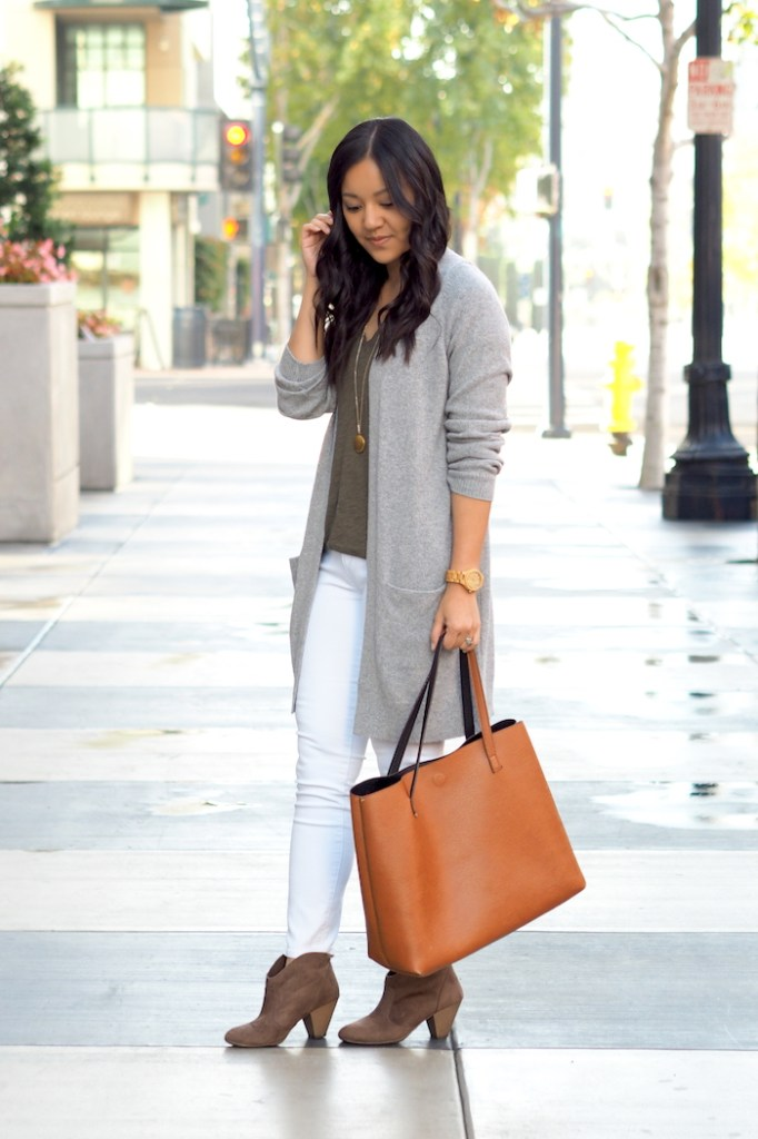 olive tee + white jeans + grey pants