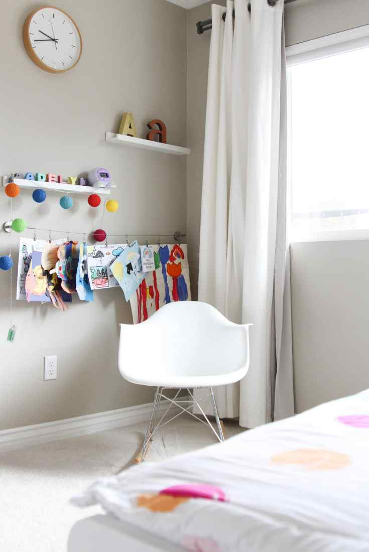 Little girl bedroom nook