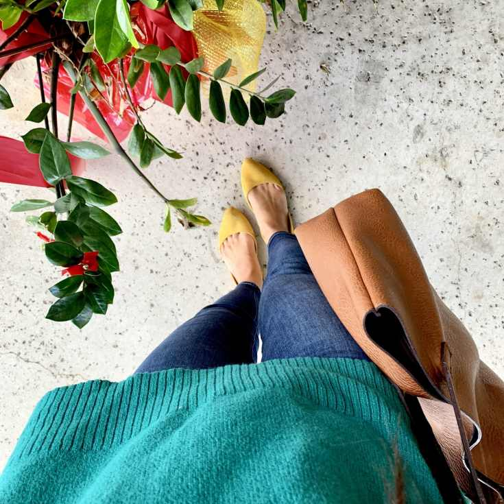 Skinnies and yellow flats