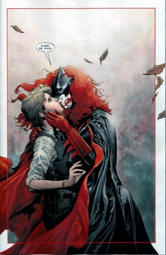 Batwoman-e-Sawyer-580x889
