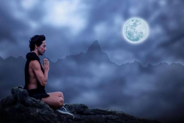 man-meditatie