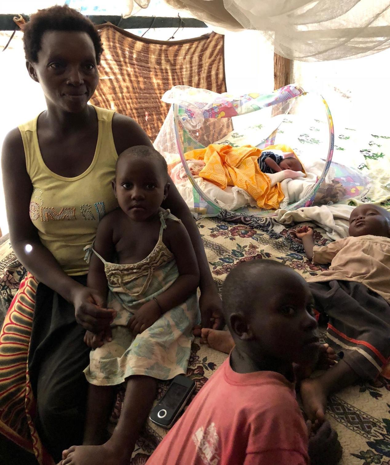 Kerätään sata äitiyspakkausta Keniaan!