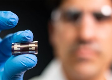 Breakthrough increases efficiency of printable and paintable organic solar cells