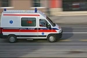 Prijepolje: Kola Hitne pomoći izazvala direktan sudar sa putničkim automobilom, šestoro povrijeđenih