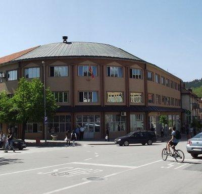 Plate zaposlenima u Opštini Pljevlja ostale iste mimo zakona