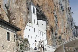 Manastir OSTROG – mjesto gdje se dolazi sa VJEROM i MOLITVOM, a odlazi sa MIROM i SREĆOM
