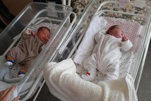 Medicinsko čudo: Rodila blizance sa razmakom od dva ipo mjeseca