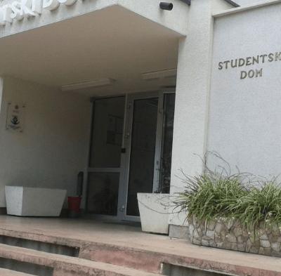 MINISTARSTVO PROSVJETE RASPISALO KONKURS – U domovima mjesta za 2.890 učenika i studenata