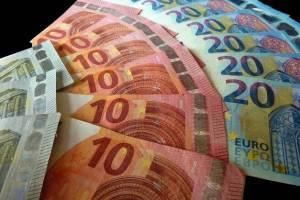 Od sjevera do juga ZARADE variraju: Prosječna plata u Mojkovcu VEĆA nego u Ulcinju
