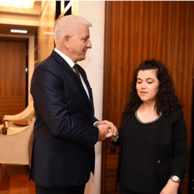 Marković zaposlio slijepu djevojku Merimu Feratović