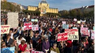 """""""Pravda za djevojčice"""": Protesti širom Hrvatske"""