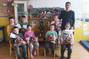 Novogodišnji paketići za đake škole u Vijencu