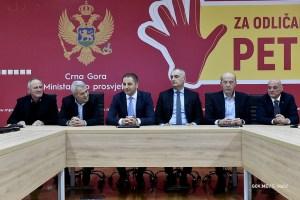 Ozvaničeno povećanje zarada: Potpisani kolektivni ugovori u prosvjeti