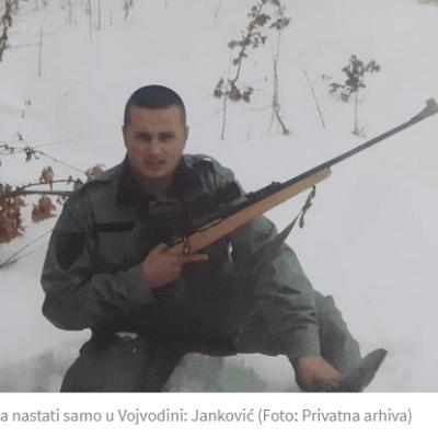 Janković tvrdi da se samo slikao pored ubijene srne