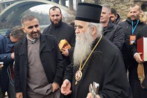 Amfilohije Đukanoviću: On ne zna jer nije kršten
