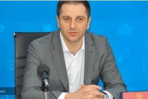 Šehović zbog lažne diplome razriješio direktoricu osnovne škole iz Budve, nije završila fakultet