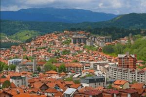 U toku dana u Pljevljima  masovno nepoštovanje odluka i preporuka Nacionalnog kordinacionog tima za zarazne bolesti