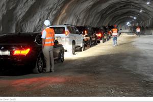 Pukotine u tunelima auto-puta, Kinezi da krpe o svom trošku