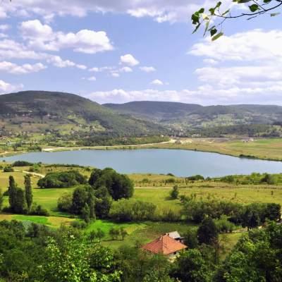 Vlada donijela Odluka o prenosu prava raspolaganja na nepokretnosti Opštini Pljevlja u zoni Borovičkog jezera