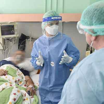 U KCCG 36 COVID pacijenata se bori za život