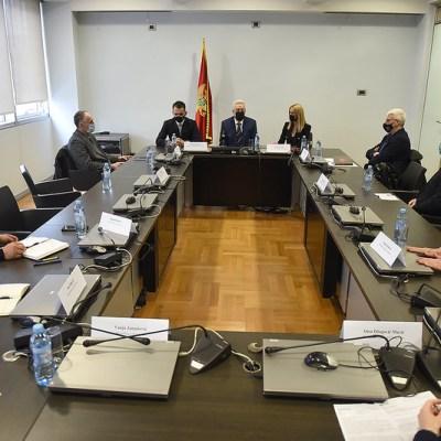 Krivokapić: Nije istina da je Vlada iz sastava isključila predstavnike manjina