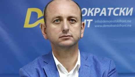 Knežević pozvao Krivokapića i Abazovića: Suprotstavimo se tajkunima koji dijele otkaze radničkoj sirotinji