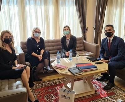 Ministar Leposavić i Laura Lungaroti: Nulta tolerancija na diskriminaciju svih pojedinaca, posebno migranata