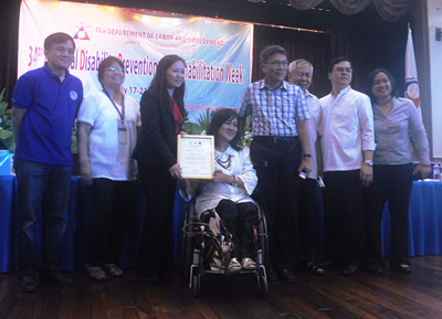 COMELEC Awardees pose together with PWAG, NCC and NCDA Officials.