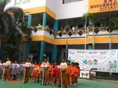 Acara pembukaan Futsal Sport and Art SMP Muhammadiyah 2 Surabaya di halaman sekolah (foto: sudarusman)