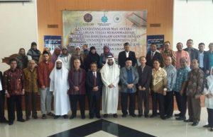 Foto bersama usai penandatanganan kerjasama antara 12 Universitas Muhammadiyah dengan dengan Islamic University of Minnessota USA.