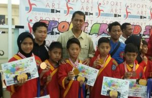 4 pesilat cilik Tapak Suci SD Muhammadiyah 8 Surabaya Sukses Juarai Sport, Art, and Sains Competition 2017 yang diselenggarakan oleh MBA Sportants Genteng Surabaya. (Foto: Humas Sekolah)