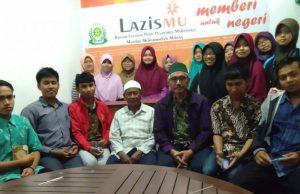 Suasana pembukaan kantor layanan Lazismu di Panti M3 Malang