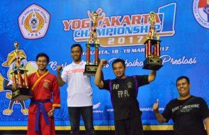 Tim Tapak Suci MBA SPARTANS Genteng, Surabaya sukses menjadi juara di Yogyakarta Championship 1. (Foto: Ferry Yudi)