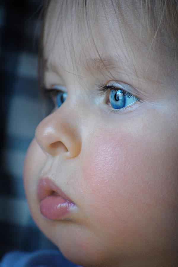 ">Baby Girl Blue Eyes"" /><br />author: <a target='_blank' href="