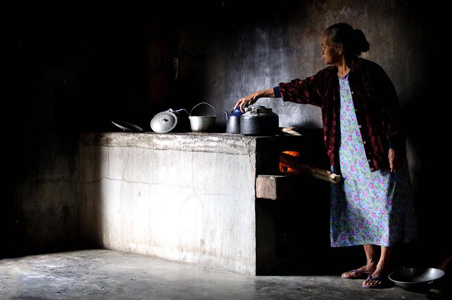 Blaan Women Cooking
