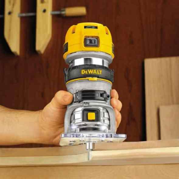 DeWalt D26200 Compact Fixed Base Router Review