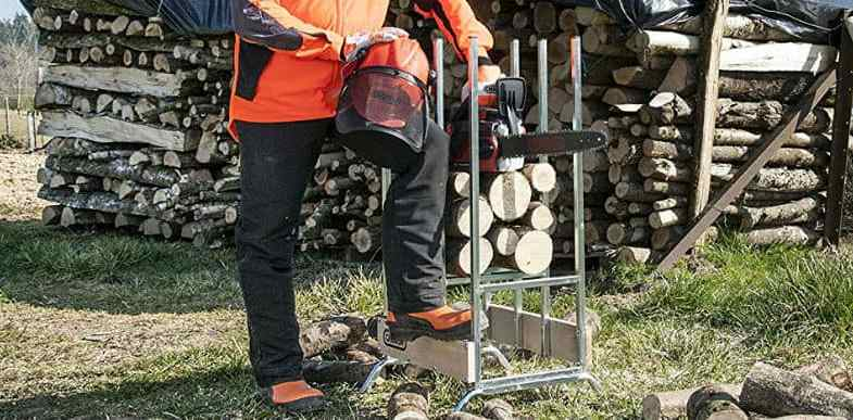 Best Chainsaw Trousers – Buyers Guide & Reviews