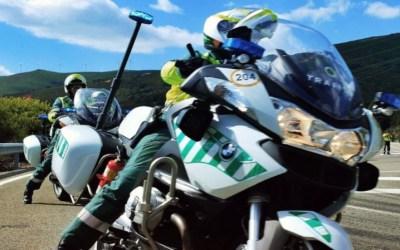 La DGT vigila a los motoristas, 701 multados y 19.430 controlados