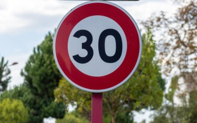 Analizamos los nuevos límites de velocidad en las ciudades