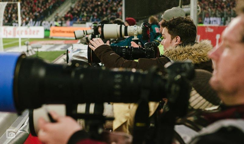 Fotografen und ihre Kameras - wer macht das Foto gut? Foto: Stefan Groenveld