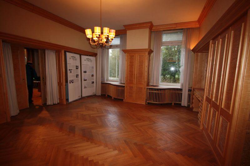 Bis auf die Einbauschränke heute leer: Ein Zimmer im Erdgeschoss.