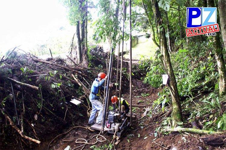 MOPT realiza estudios en hundimiento de Interamericana en La Cangreja