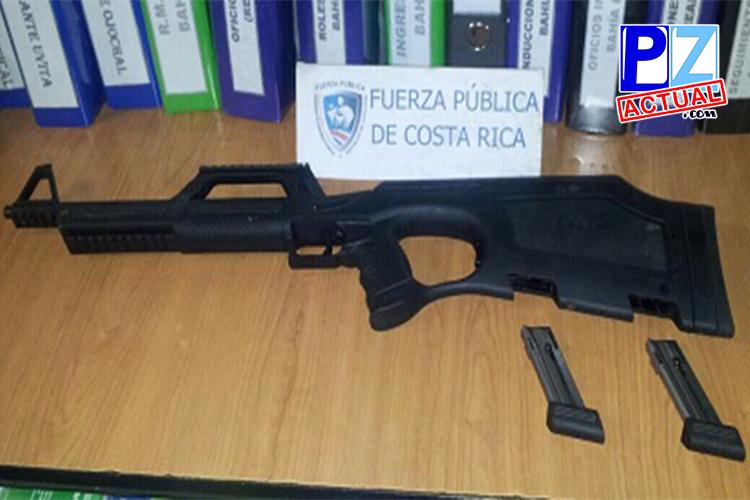 Fuerza Pública captura a dos hombres armados con carabina y revólver.