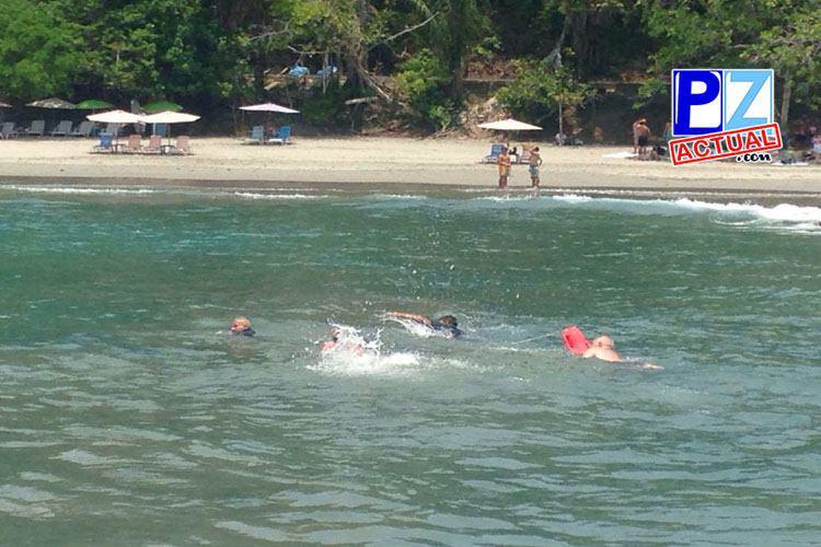 Guardacostas salvan a dos españoles de morir ahogados en Manuel Antonio, Quepos.
