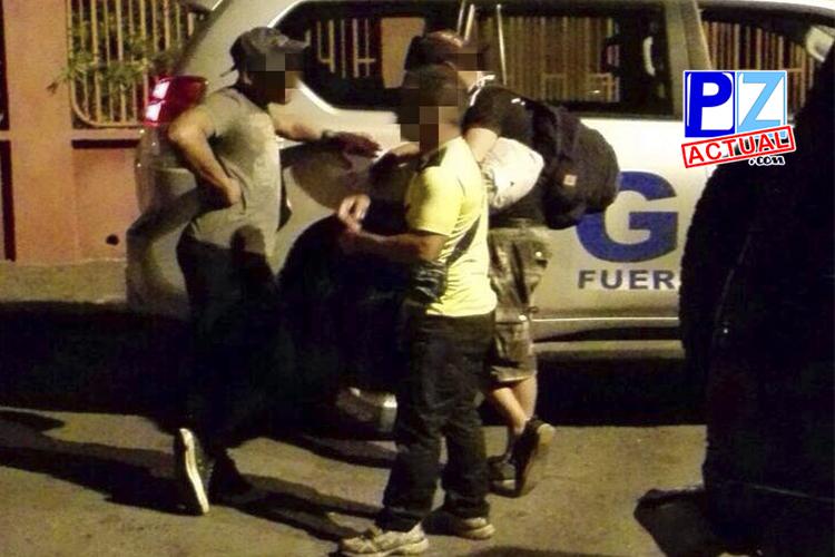 Fuerza Pública detiene a dos presuntos coyotes en Quepos.