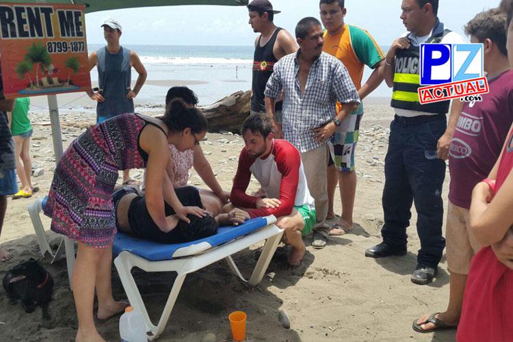 Extranjeros se visten de ángeles y salvan a generaleño de morir ahogado en Playa Dominical.