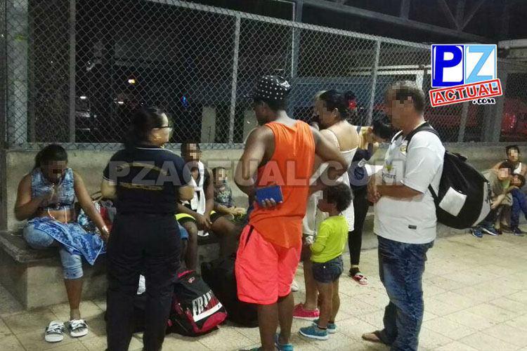 Quince cubanos en condición migratoria irregular detectados en Golfito,  fueron devueltos a Panamá.